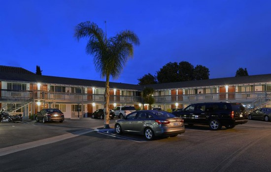 Welcome To Avenue Inn Downtown San Luis Obispo - Ample Guest Parking